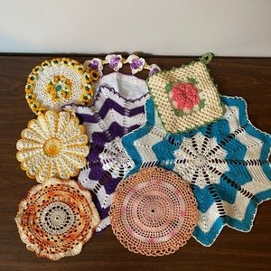 Bundle of Vintage Doilies